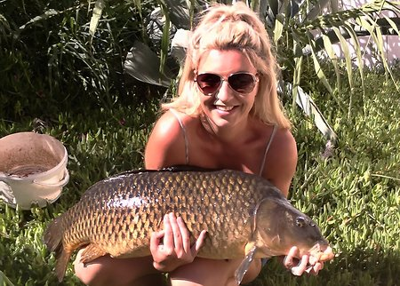 Carp fishing the River Ebro. Rachel32lbs